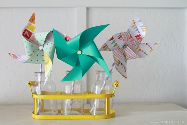 Molinillos de papel scrapbook para celebraciones de verano