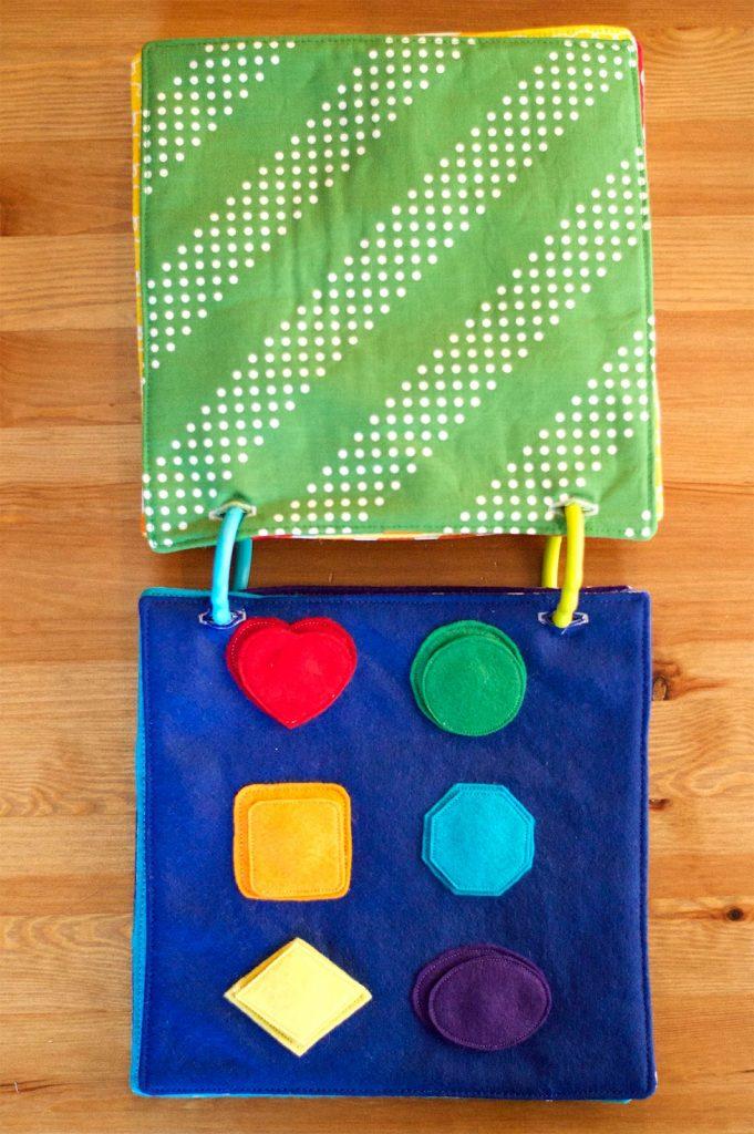 Libro de fieltro para niños: formas de colores