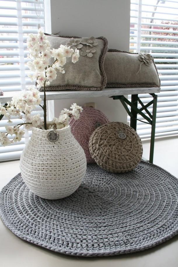 Cestos de trapillo con forma de jarrón