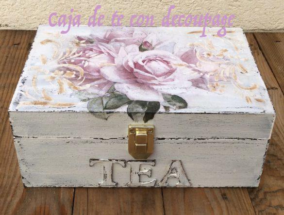 Caja de te de madera decorada con decoupage