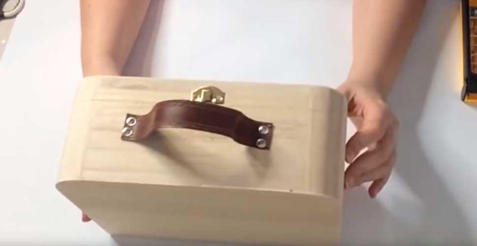 Cómo hacer una maleta decorada mixed media