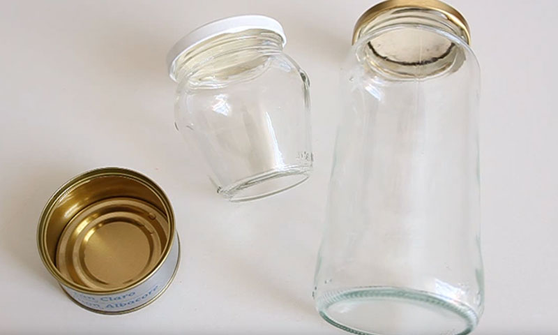 Cómo reciclar botes y latas con Decoupage